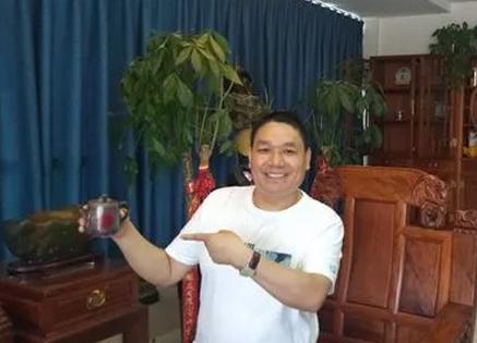 2019年5月17日,郑州嘉晟研磨制品有限公司成功签约河南见素律师事务所为常年法律顾问,在此祝愿李总事业腾达,我们为其保驾护航。