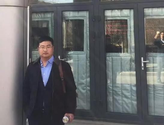 2019年2月20日下午,李晓东律师、杜心泉律师(实习)前往北京市海淀区看守所会见涉嫌非法吸收公众存款罪的郑某。