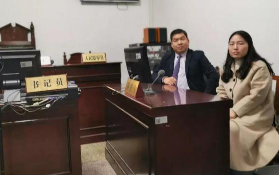 蔡学亮律师、刘书芳(实习)律师前往中原区人民法院就王某某涉嫌容留介绍卖淫案开庭。