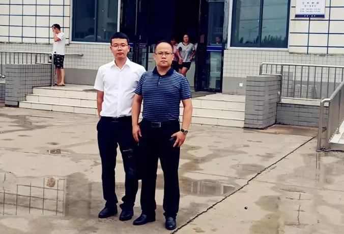 李峰律师、王含庆律师前往郑州市第三看守所分别会见涉嫌诈骗罪的梁某、和涉嫌帮助信息网络犯罪活动罪的古某,并带去家属的关心。