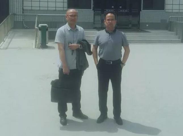 2019年5月12日上午,李峰律师、林通律师(实习)前往郑州市第三看守所会见涉嫌寻衅滋事罪、敲诈勒索罪的陈某。
