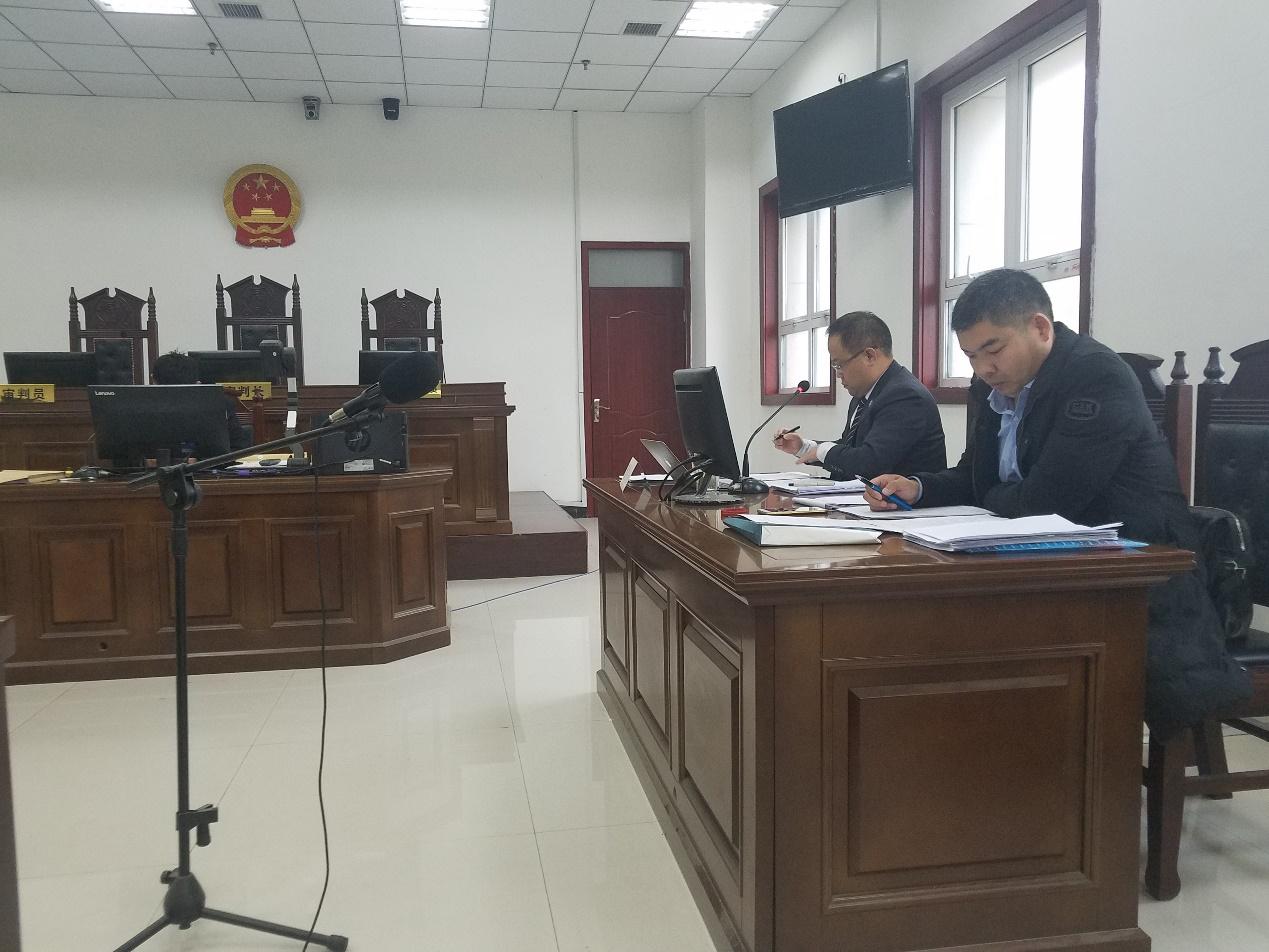 2018年11月14日许昌市建安区人民法院开庭审理W某某涉嫌贪污一案,李峰主任、蔡学亮律师作为辩护人出庭辩护